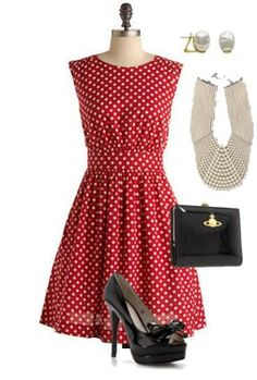 Very cute style except for the large necklace. I think I'd rather stick to my Mikimoto single strand of pears. The shoes, while gorgeous are not practical for my life these days. Unique Dresses, Cute Dresses, Dresses For Work, Vintage Outfits, Vintage Fashion, Vintage Style, Betty Draper, Wardrobe Makeover, Retro Look