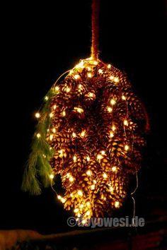 Zapfenobjekt mit LED-Schweif - Karin Urban - NaturalSTyle