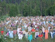 Scarecrows....lots & lots of scarecrows....