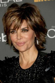 9.Lisa Rinna Haircut