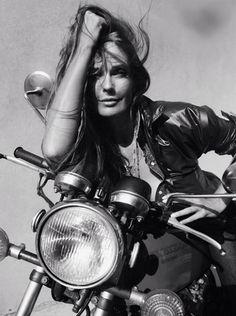 I'm absolutely NO pillion rider :) ~ Dana