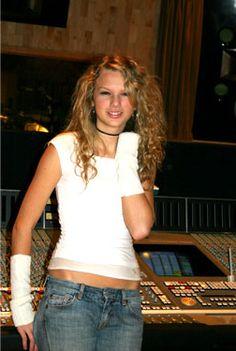 Taylor Swift Rare Photos we need Young Taylor Swift, Estilo Taylor Swift, Baby Taylor, Long Live Taylor Swift, Taylor Swift Hot, Swift 3, Taylor Swift Pictures, Bae Tumblr, Beautiful Taylor Swift