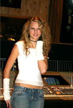 Taylor Swift Rare Photos we need more