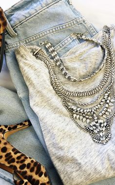 Morgause Bib - The best way to spice up jeans and a tee? Leopard heels and a gorgeous statement necklace. Statement Necklace Outfit, Statement Necklaces, Pearl Necklace, Chunky Necklaces, Necklace Ideas, Pearl Pendant, Pendant Necklace, Spring Dresses, Spring Outfits