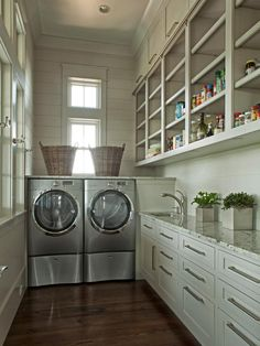 Now that's a laundry room with storage.