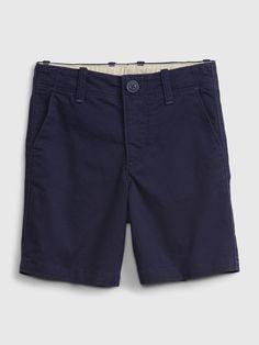 Toddler Khaki Shorts | Gap Girls Khaki Shorts, Kids Shorts, Boy Shorts, Casual Shorts, Toddler Shoes, Toddler Girl, Summer Family Portraits, Family Outfits, Welt Pocket
