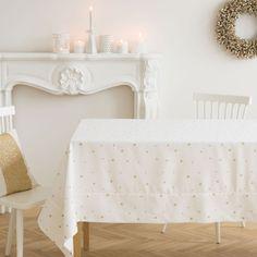 Tischdecke und Servietten aus Leinen und Baumwolle mit Mini-Sternenjacquard - Tisch - Weihnachten | Zara Home SWITZERLAND