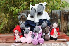 Loup crocheté main - Made in Pacôtilles. Blog, Creations, Crochet Hats, Christmas Ornaments, Holiday Decor, How To Make, Home Decor, Kid, Animaux