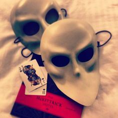 white sleep no more masks (could subsitute with white mascarade masks), playing card place cards and invite inspiration