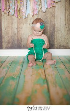 Vintage style indoor baby photography in Yreka California. | Photography by Taylor Himbert