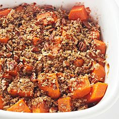 Streusel-Topped Sweet Potatoes Searching for sweet potato recipes that go beyond candied sweet potatoes? Try this easy sweet potato recipe that's roasted in a baking dish, then sprinkled with a nutty streusel topping. Potato Side Dishes, Healthy Side Dishes, Side Dish Recipes, Casseroles Healthy, Healthy Sides, Sweet Potato Recipes Healthy, Veggie Recipes, Cooking Recipes, Yam Recipes