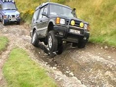 Land Rover Discovery - Best 4x4xfar! Stock with factory Diff lock and Traction Control Look at that articulation!