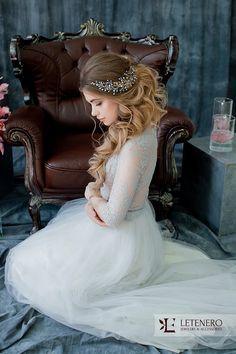 Свадебные украшения, свадебный гребень, гребень для невесты, украшение свадебной прически, гребень свадебный    ***********************************************  Свадебные аксессуары, свадебные украшения невесты, украшения на голову, аксессуары для свадебной прически  Загляните на мою страницу, вас могут заинтересовать и другие работы: https://www.etsy.com/ru/shop/Letenero