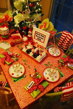 Momfessionals North Pole Breakfast 2014 Introduction Of The Elf On Shelf Christmas