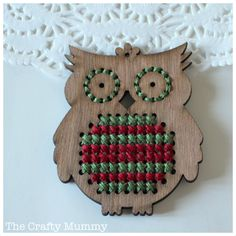 This cute cross stitch owl ornament will hang on our Christmas tree this year. Tiny Cross Stitch, Cross Stitch Designs, Cross Stitch Patterns, Learn Embroidery, Cross Stitch Embroidery, Embroidery Patterns, Bed Quilt Patterns, Weaving Patterns, Polymer Clay Owl