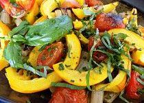 Pečená zelenina s bazalkou Stuffed Peppers, Vegetables, Food, Stuffed Pepper, Veggies, Essen, Vegetable Recipes, Yemek, Stuffed Sweet Peppers