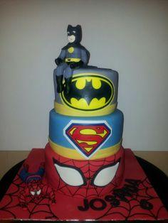 Superhero cake - love the base