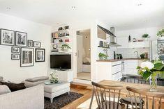 Small room design – Home Decor Interior Designs Apartment Layout, Apartment Interior, Apartment Design, Apartment Living, European Apartment, Apartment Ideas, Small Space Living, Small Spaces, Deco Studio