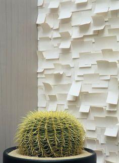 Panneau de papier In The White Room par Tracy Kendall en relief thecollection.