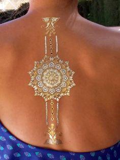 Os dejamos unas cuantas ideas más de cómo adornarse el cuerpo con los tatuajes joya Lulu DK ;) Esperamos que os guste. Colección: Moondance & Indigo.