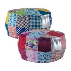 I love patchwork. Quilting Projects, Sewing Projects, Diy Pouf, Applique Cushions, Quilt Material, Puff, Patchwork Pillow, Furniture Covers, Furniture Ideas