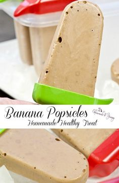Banana popsicles are a healthy homemade treat. Banana ice pops made with nutritious ingredients. Great recipe for DIY breakfast popsicles. Frozen Desserts, Frozen Treats, Easy Desserts, Delicious Desserts, Banana Popsicles, Easy Summer Meals, Ice Cream Recipes, Banana Recipes, Best Dessert Recipes