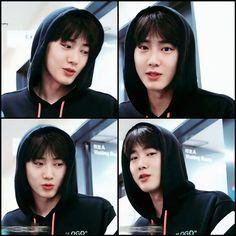 Exo Lockscreen, Black Pink Kpop, Kim Junmyeon, Suho Exo, Korean Boy Bands, Chinese Boy, Bruce Lee, Cute Baby Animals, Korean Singer