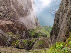 Norway - Blick in die Tiefe, via Flickr.