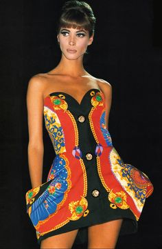 Christy Turlington / 1991 Gianni Versace Collezione Spring Summer / Lookbook
