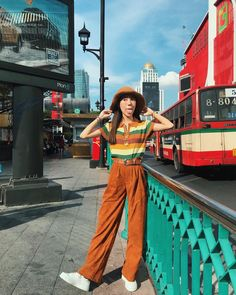 "Colors never die on Instagram: ""🖖🏻"" Vintage Outfits, Retro Outfits, Cool Outfits, Vintage Fashion, Retro Fashion 80s, Set Fashion, Girl Fashion, Fashion Outfits, Fashion Design"
