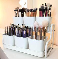 Trendy Makeup Room Ideas Diy Make Up Ikea Hacks Ideas Diy Makeup Organizer, Makeup Storage Organization, Makeup Holder, Storage Organizers, Ideas For Makeup Storage, Bathroom Product Organization, Diy Makeup Station, Makeup Storage Small, Makeup Brush Storage