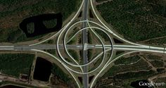 A turbine interchange connecting two highways in Jacksonville, Florida. -- Stunning Aerial Images Will Change How You See The Earth Satellite Photos Of Earth, Earth Photos, Photo Fruit, Perspective, Google Earth, Aerial Images, Earth From Space, Road Trip Usa, Birds Eye View