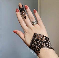 Mehndi Designs Finger, Henna Tattoo Designs Simple, Latest Henna Designs, Simple Arabic Mehndi Designs, Henna Art Designs, Mehndi Designs For Girls, Stylish Mehndi Designs, Mehndi Designs For Beginners, Mehndi Design Photos