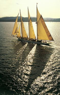 Top Luxury Blue Cruise Charters with Boat & Yacht in Italy and France on Gulet Victoria & Alissa, come live the dream & make memories in Sardinia & Corsica. Classic Sailing, Classic Yachts, Classic Boat, Sailing Cruises, Sailing Ships, Sailing Boat, Cruise Holidays, Cool Boats, Yacht Boat