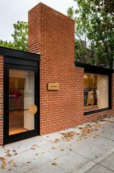 Rachel Comey shop on Melrose Place in Los Angeles, California Rachel Comey, Signage Design, Facade Design, Exterior Design, Shop Interior Design, Retail Design, Store Design, Exterior Signage, Exterior Paint