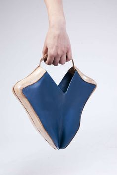 Transforming Leather Footwear - The Shoebag by Tal Weinreb Morphs from Shoes into an Elegant Handbag (GALLERY)
