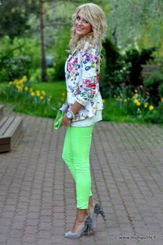 74cce9351a54 love this neon jeans with the floral blazer!