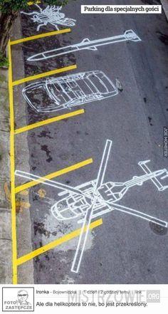Stencil street art by Regina Silveira - São Paulo, Brazil. Wayfinding Signage, Signage Design, Urban Street Art, Urban Art, Graffiti, Floor Graphics, Decoration Originale, Street Furniture, Environmental Graphics