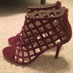 """Brand New MICHAEL Michael Kors Yvonne Bootie 7.5M Brand New MICHAEL Michael Kors Yvonne Bootie 7.5M in Merlot Suede.  Gorgeous! Cage strapped in Merlot open-toe bootie designed with a back zip closure. 3 1/2"""" heel, 3 1/2"""" boot shaft. Leather upper and lining/rubber sole. By MICHAEL Michael Kors; imported.  No trades, no PayPal, Posh Rules only. Thank you for stopping by my closet!  Michael Kors Shoes Ankle Boots & Booties"""