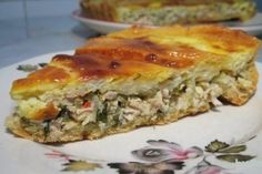 Tarta cu pui si smantana - Culinar.ro Romanian Food, Pastry Cake, Spanakopita, Quiche, Bacon, Deserts, Good Food, Food And Drink, Appetizers
