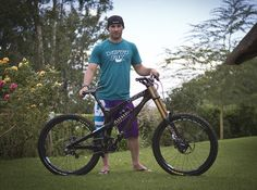 Yeti's prototype Carbon makes an appearance in South Africa under team rider Jared Graves. We talked to Yeti to dig out some facts about the new machine. Yeti Cycles, Mtb, Mountain Biking, World Cup, Bike, Wheels, Boards, Posts, Bicycle