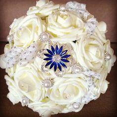 Another #bridalbouquet I made for a client.. this one was for her #bridesmaid  #weddingflowers #broochbouquet #wedding #bridal