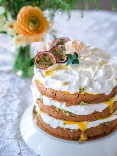 Pääsiäisen Mango-Passion Naked Cake (G) Most Delicious Recipe, Delicious Desserts, Yummy Food, Mango Cake, Cake Decorating Videos, Piece Of Cakes, No Bake Desserts, Let Them Eat Cake, I Love Food