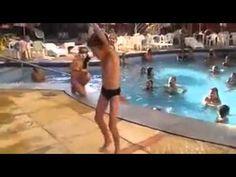 Criança dançando dança da muriçoca