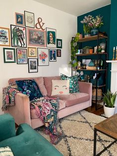 Living Room Green, Home Living Room, Apartment Living, Living Room Decor, Living Spaces, Living Room Gallery Wall, Eclectic Gallery Wall, Gallery Walls, Living Room Inspiration