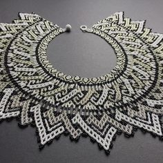 By Arte Embera Seed Bead Jewelry, Beaded Jewelry, Beaded Necklaces, Cultured Pearl Necklace, Opal Necklace, Beaded Necklace Patterns, Necklace Designs, Handmade Beads, Handmade Jewelry