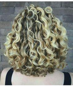 Aquele cabelo 3A para você se inspirar ✨