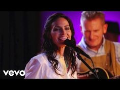 Joey+Rory - Paper Roses (Live) - YouTube