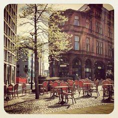 Summer cafe seating (photo by @joshkilby on IG) #socialsheffield #sheffield #cafe