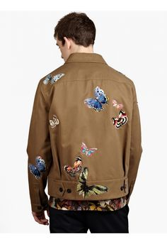 Valentino Men s Camubutterfly Embroidered Blouson Jacket   oki-ni Manteau  Homme, Mode Homme, 0917335b11b3